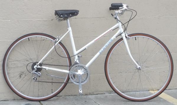48cm Schwinn World Sport Lugged Step Thru Town Bike 4 11 5 3