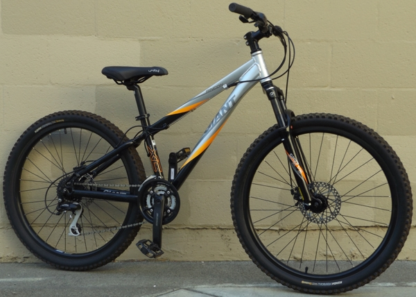 14 Giant Rincon 24 Speed Aluminum Hardtail Mountain Bike 5 1 5 4