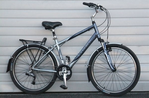 Medium Trek Navigator 300 Aluminum Comfort Commuter Bike 5