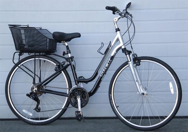 16 Quot Trek 7100 Wsd Aluminum 21 Speed Utility Bike W Basket