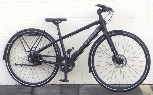 15 Quot Trek Lync 5 Belt Drive Integrated Lights Commuter Bike
