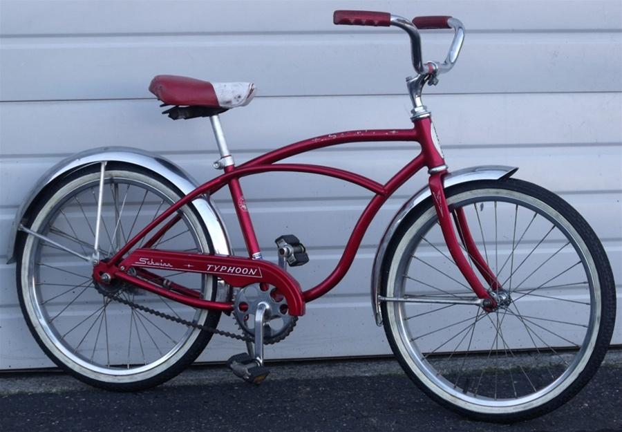 "31ecb7b8f3c Vintage Schwinn Typhoon Boys Bike 20"" Wheels"